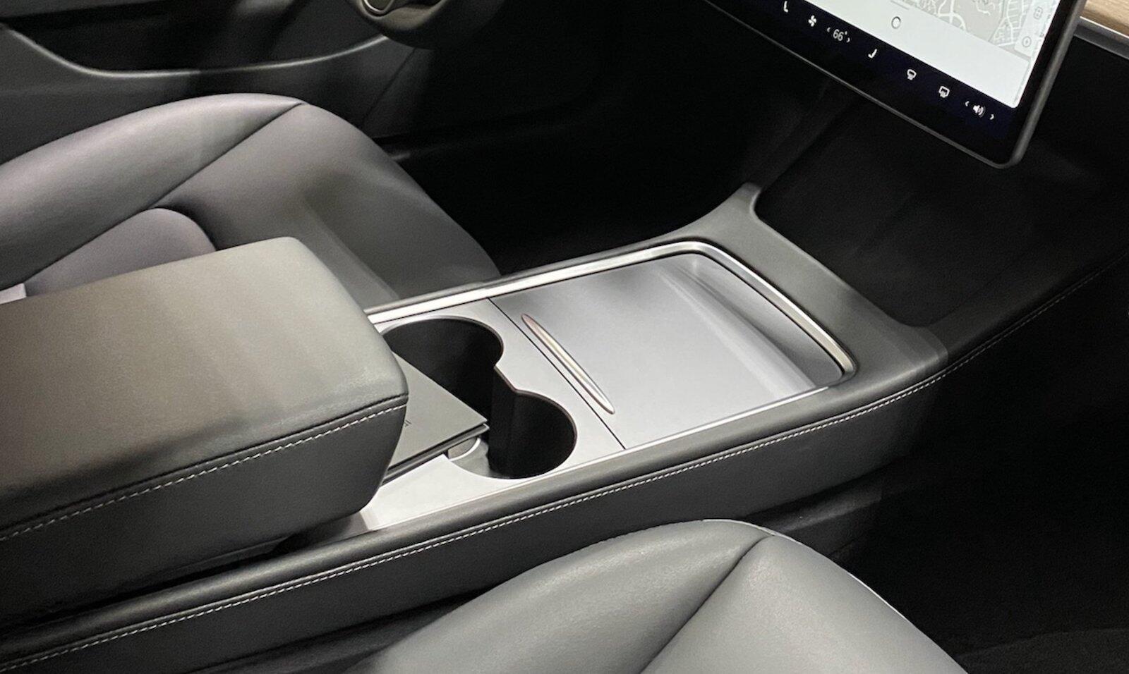 Tesla Model 3 Mittelkonsole Neu