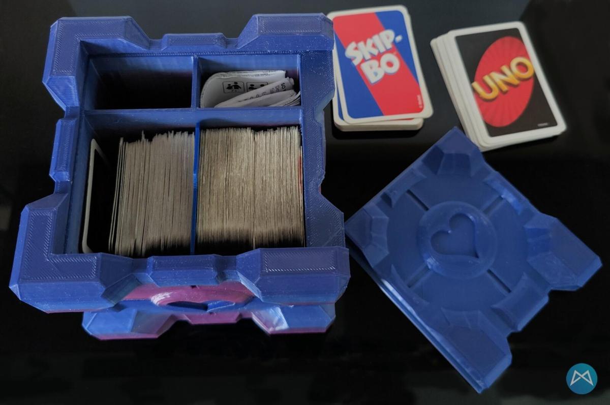 Companion Cube Offen Farbverlauf