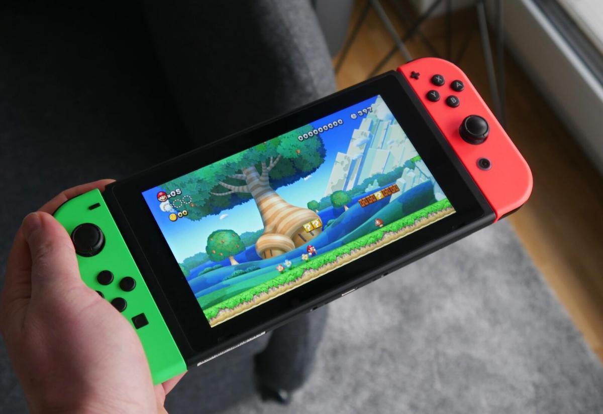 Nintendo Switch 2d Mario Hand