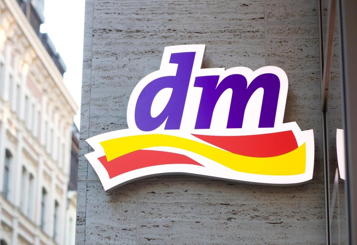 Dm Logo Header