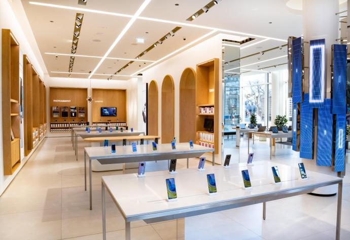 Huawei Store Berlin Innen
