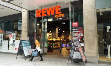 Hybrides Einkaufen Bei Rewe In Koeln