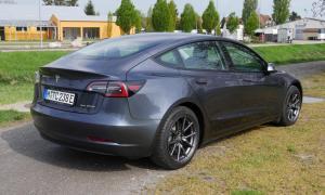 Tesla Model 3 2021 Heck Seite