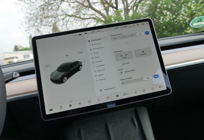Tesla Model 3 2021 Ui