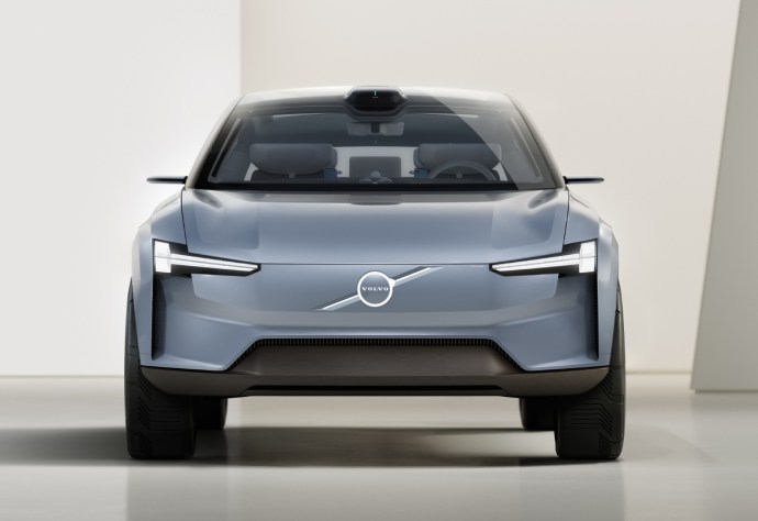 Volvo Concept Recharge Front