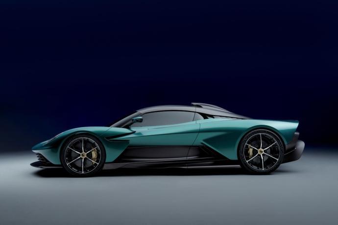 Aston Martin Valhalla Side