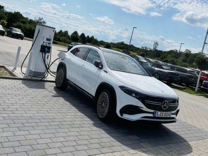 Mercedes Benz Eqa Lader