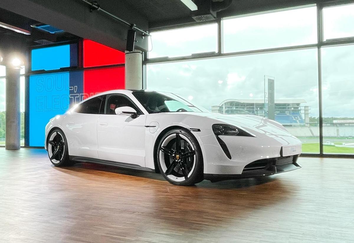 Porsche Taycan Hockenheim Header