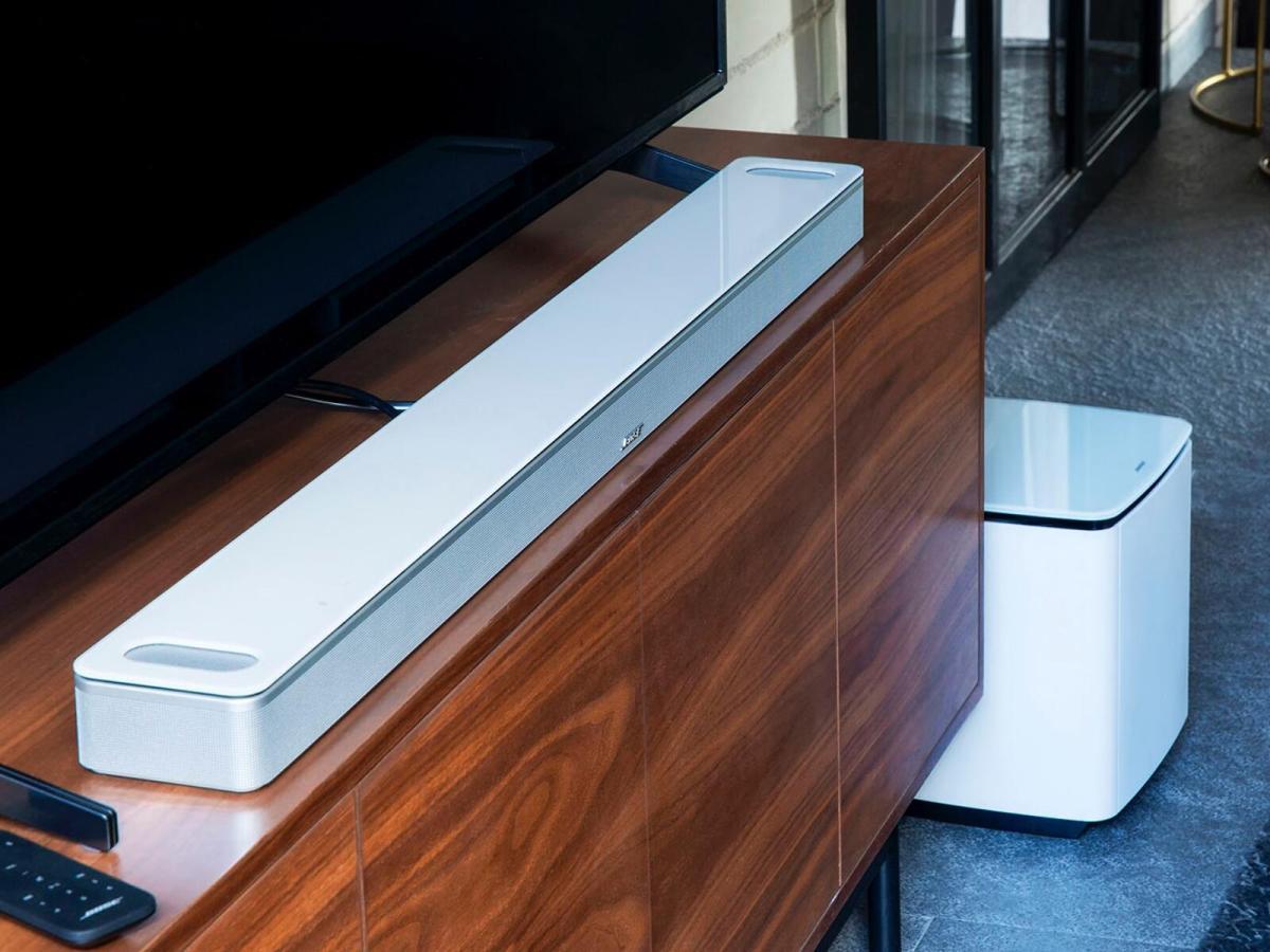 Bose Smart Soundbar 900 Leak