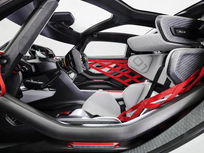 Porsche Mission R Cayman Konzept Innen