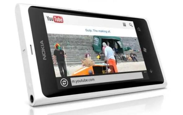 Lumia-800-white-1