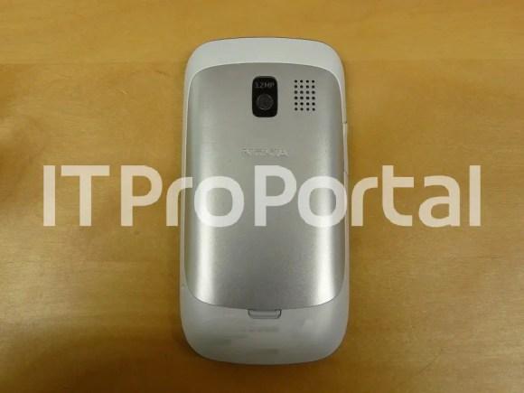 Nokia-302-leaked-2