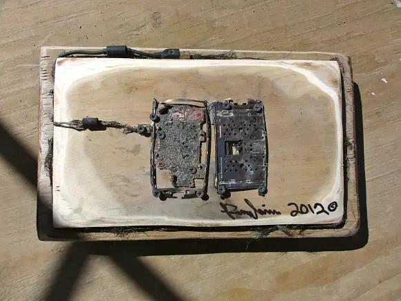 Sony-Xperia-Play-Microwave-2
