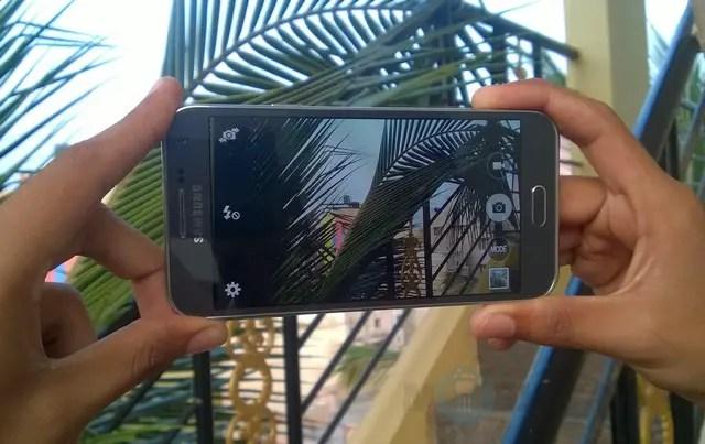 Samsung-Galaxy-E5-Review-11
