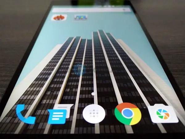 OnePlus-2-Display-1