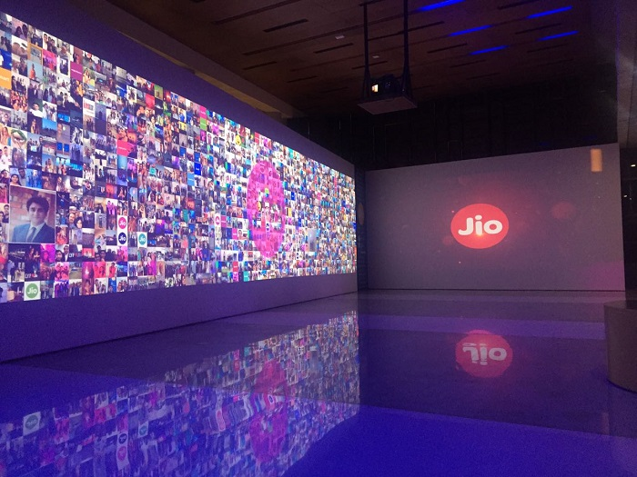 Reliance-Jio-Experience-Center