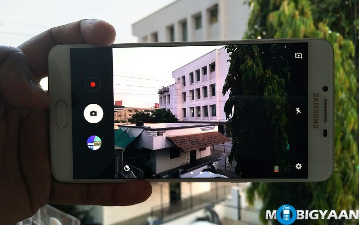 How-to-quickly-launch-Camera-on-Samsung-Galaxy-C9-Pro-Guide-1