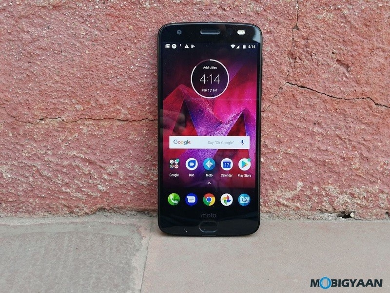Motorola-Moto-Z2-Force-Hands-on-Review-Images-8
