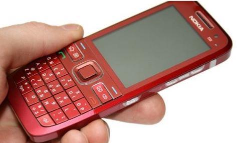 Nokia E55 punainen