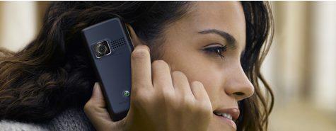 SE matkapuhelin nainen