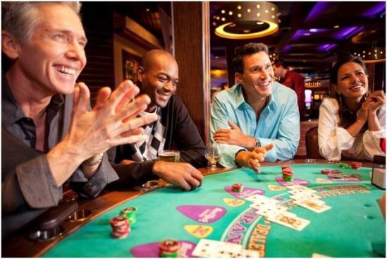 Spela blackjack på olika ställen runt om i Stockholm