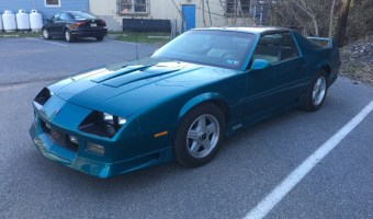 1992 Chevrolet Camaro from Lehighton Gets New Radio and Speakers