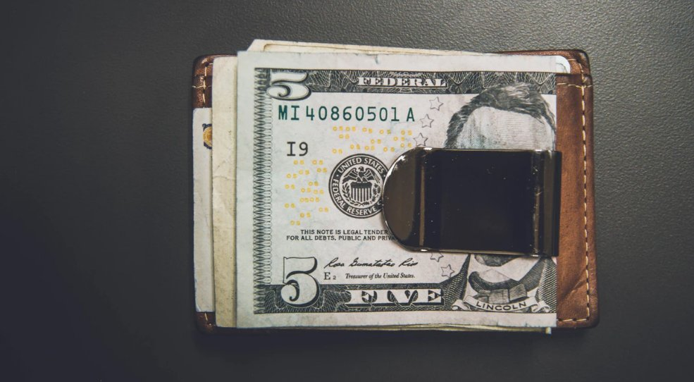 Cash held by a money clipper