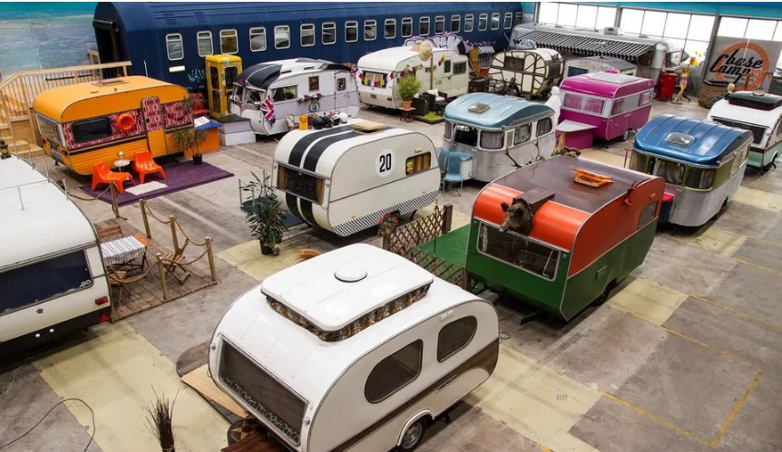 """Mobile home hostel """"campground"""""""