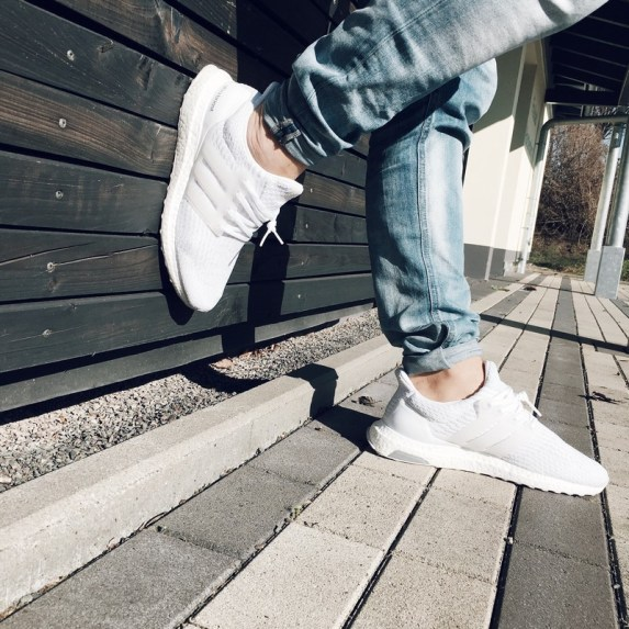 adidas Ultra Boost White Review by Foot Locker