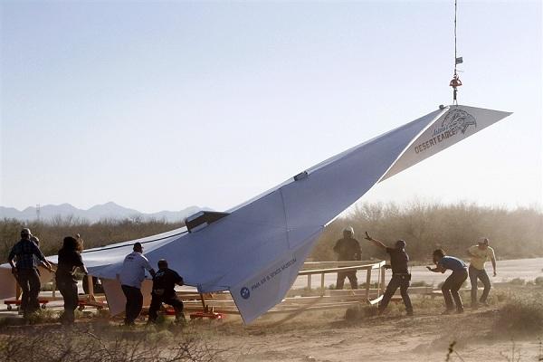 800-pound-paper-airplane