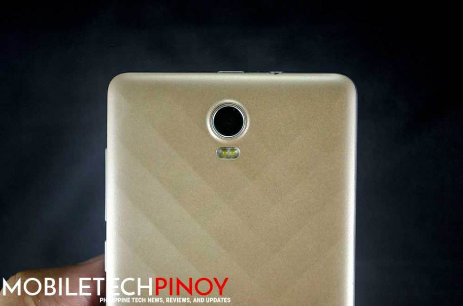 Rear Camera with LED Flash
