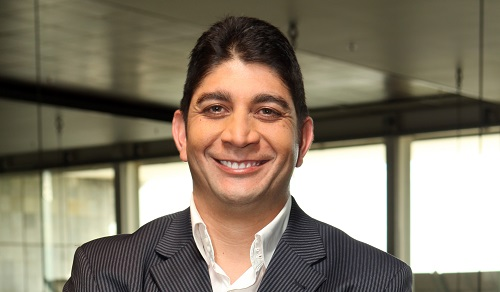 Falling data income, share deal blunts Vodacom earnings