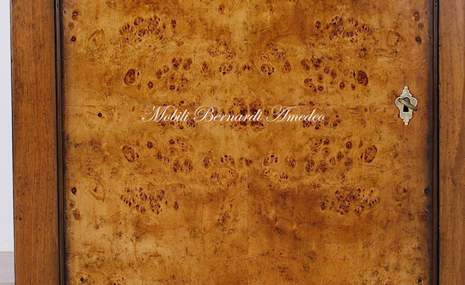 Credenze in legno vecchio II  Credenze