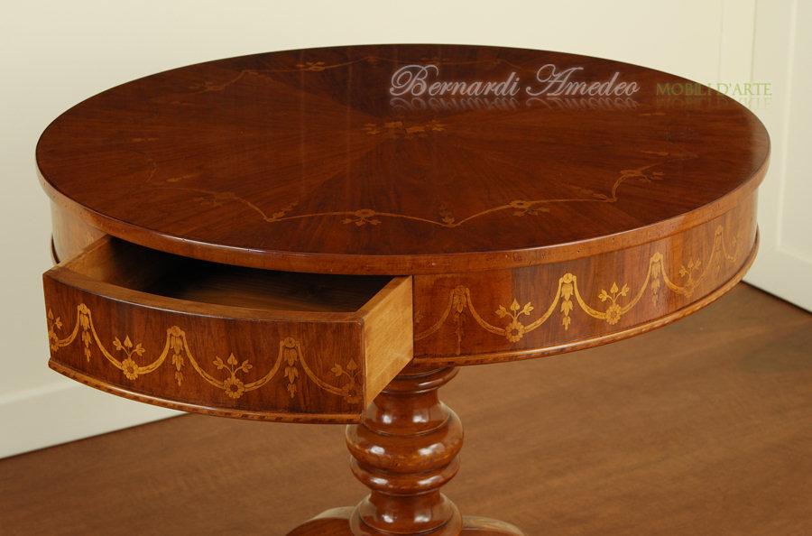 Tavolini rotondi e ovali 3  Tavolini