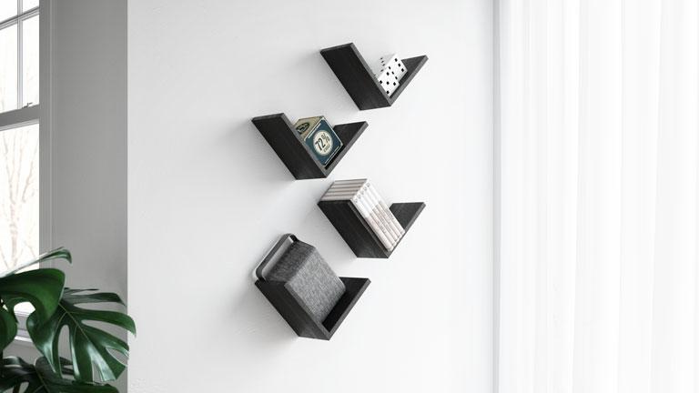 Soluzioni visivamente leggere, mensole e pensili con ripiani a vista creano. V Shaped Shelves Giuditta Mobili Fiver