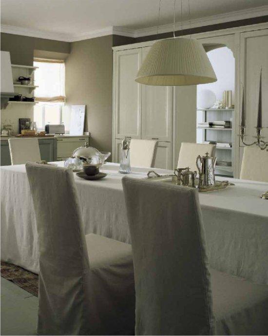 Cucina classica color lino e creta