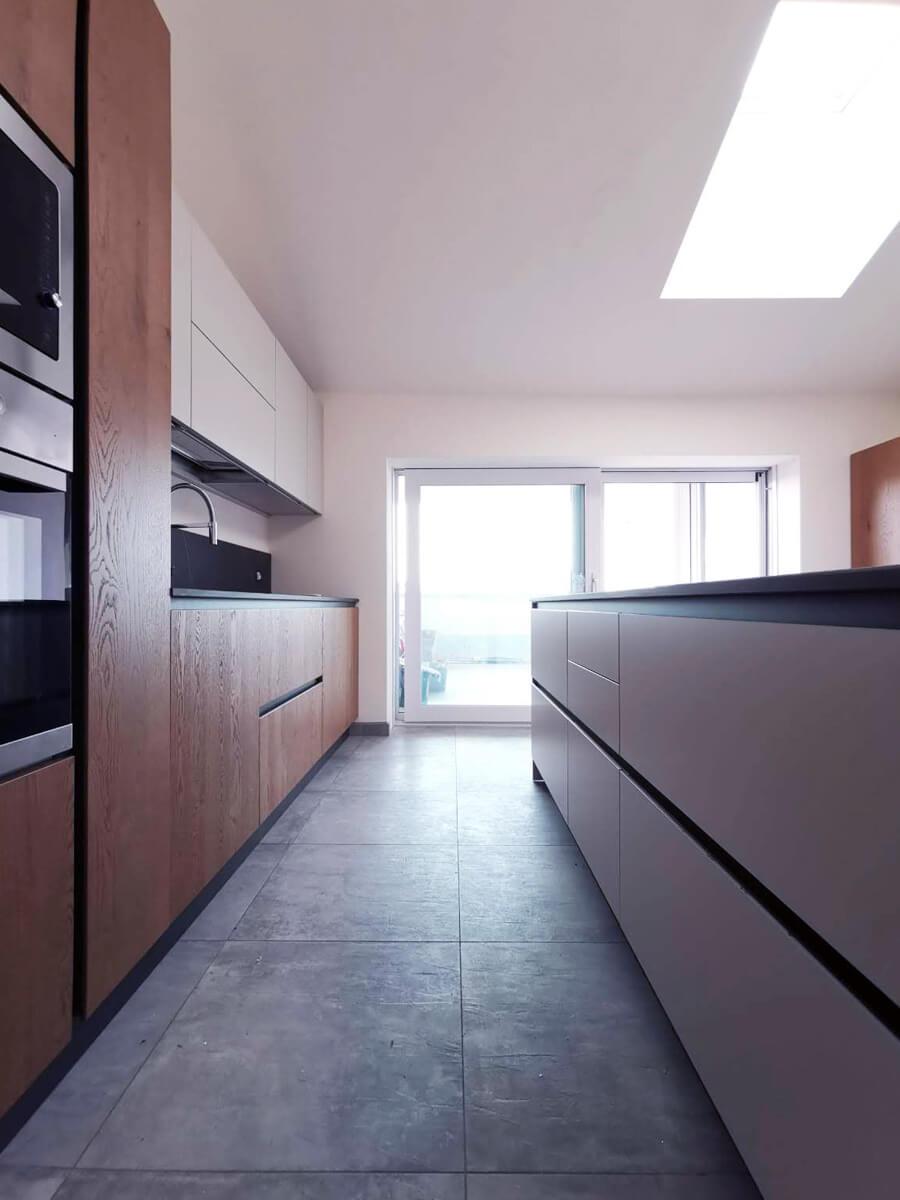 Cucina lineare laccato bianco Dibiesse piano Dekton completa