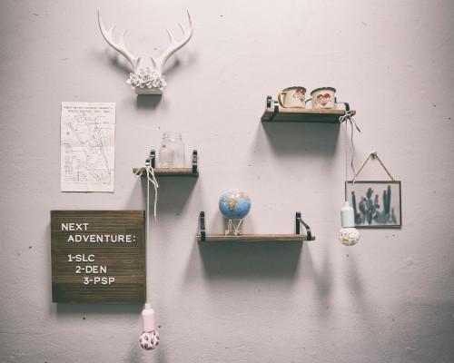Impara qualche facile trucco per arredare con stile e originalità gli ambienti di casa tua usando scaffali, mensole e ripiani. Arredare Con Le Mensole 4 Idee Creative Per Tutta La Casa Rebecca Mobili