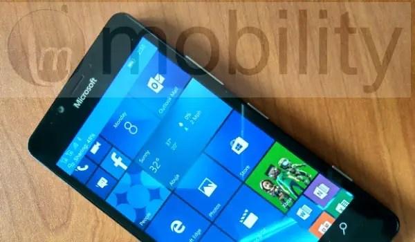 lumia950-on-desk
