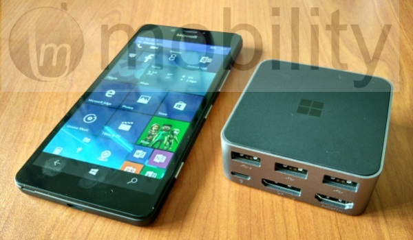 lumia950 with display dock