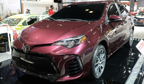 2017-Toyota-Corolla-Special-Edition (3)