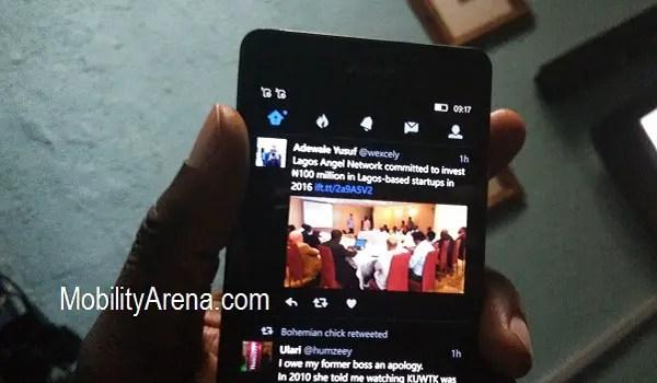 Twitter app for Windows 10 in hand