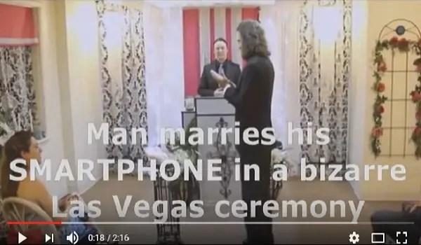 man marries smartphone