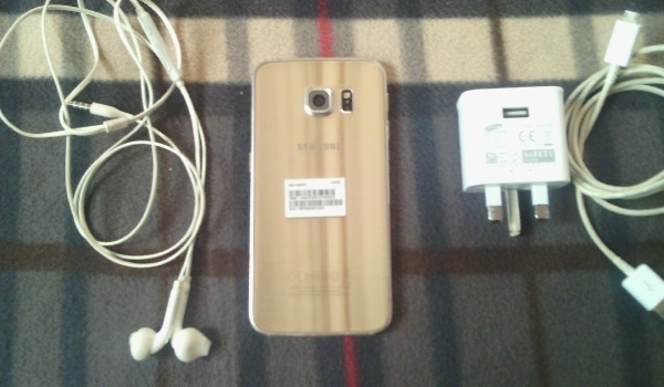 Samsung Galaxy S6 Edge for sale - accessories