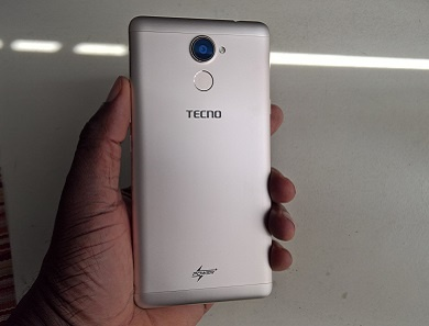 TECNO L9 Plus Review back in hand