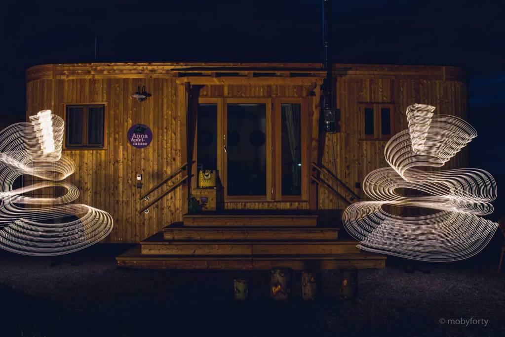 Lightpainting Spiralen vor dem Land-Loft
