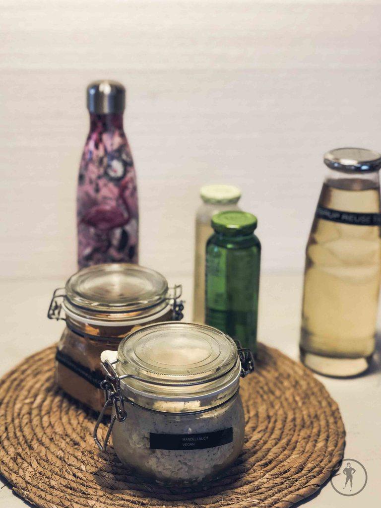 Getränkeflasche, Bügelgläser und Sirup