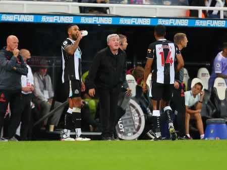 """Newcastle United in """"advanced talks"""" with Steve Bruce's replacement"""