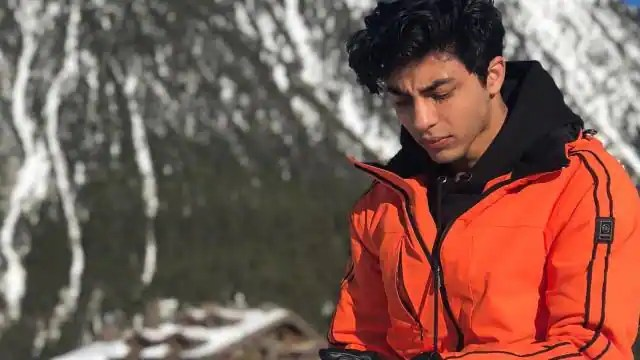 Aryan Khan qaidi prisoner number is N956 And money order amounting to Rs 4500 dated sent by shah ...