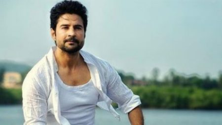 Happy birthday rajeev khandelwal know some intresting facts about his life pr